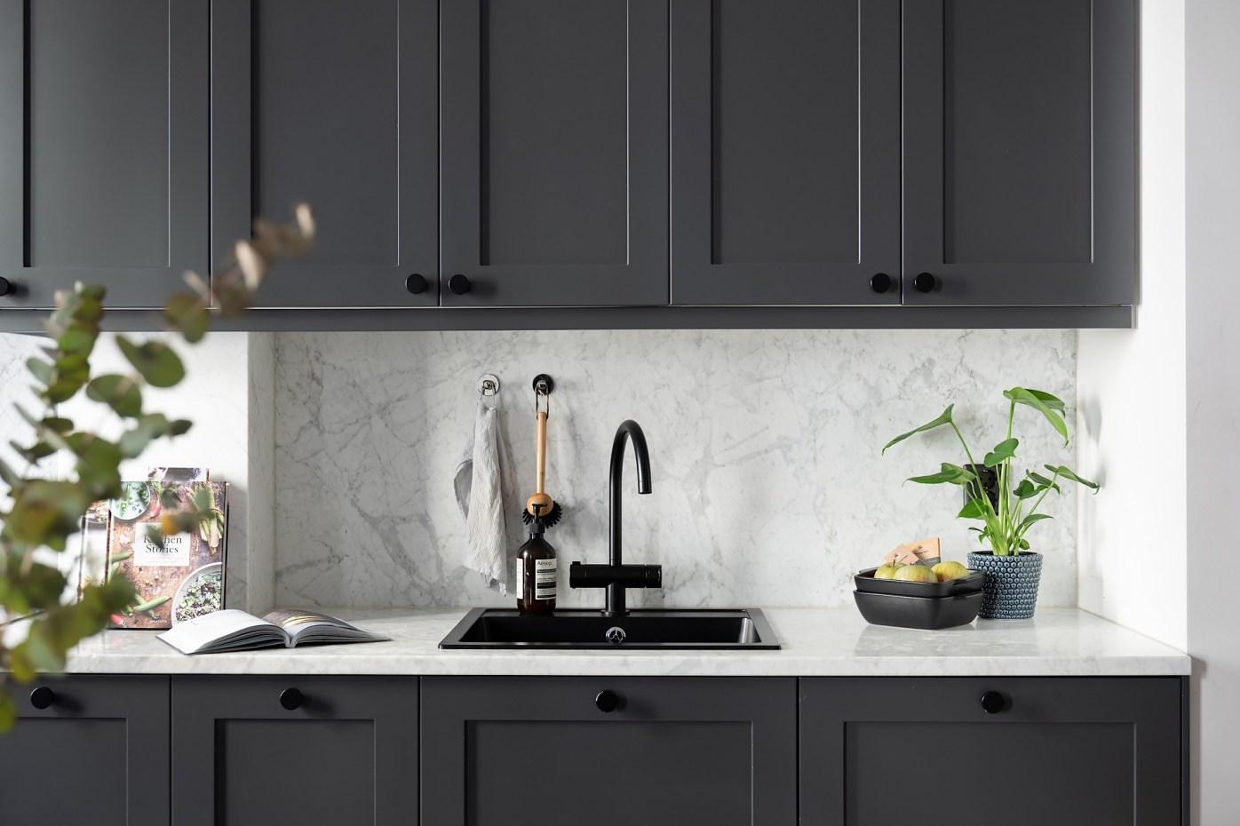 30638 black kitchen sink