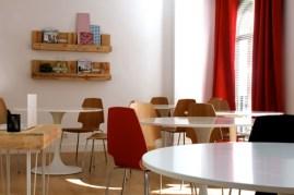 decoración e interiorismo para el aula de teoria 74