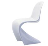 Un clásico del diseño que parece que la inventaron ayer. La silla Panton queda genial en cualquier escenario. Aquí, mucho mejor que cualquier otra