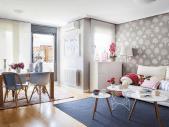 http://casadiez.elle.es/decoracion-casas/modernas/casas-decoradas-al-detalle/casa-salon-con-pared-empapelada