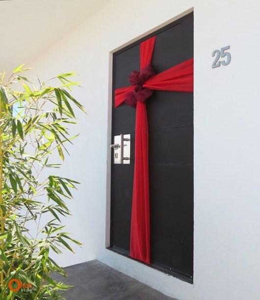 decoración-puerta-navideña