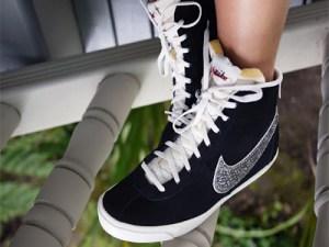 Decora el logo de tus zapatillas con aplicación de cristales 1