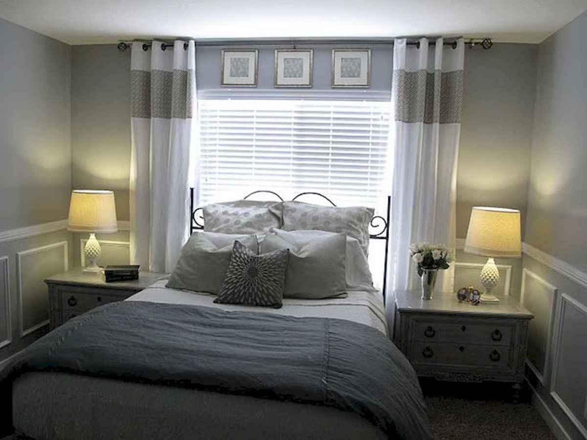 12 Cozy Small Master Bedroom Decorating Ideas