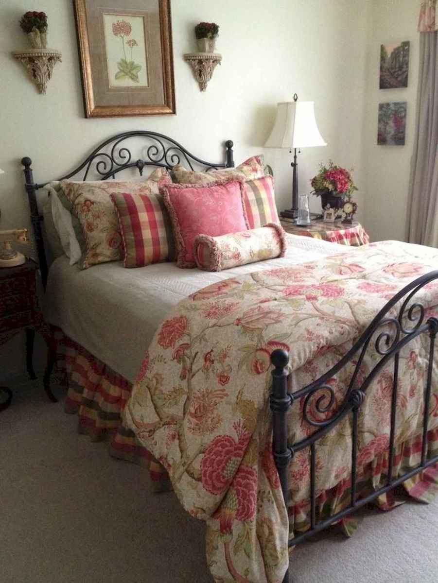31 Affordable French Country Bedroom Decor Ideas