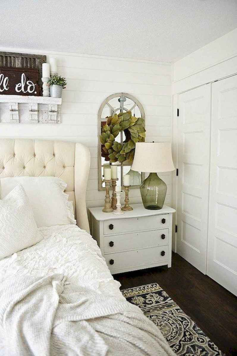 82 Affordable Farmhouse Style Bedroom Decorating Ideas