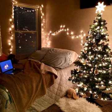 08 Cheerful Christmas Dorm Room Decorating Ideas on A Budget