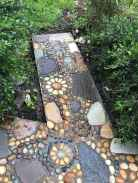 22 Magnificent DIY Mosaic Garden Path Decorations For Your Inspiration