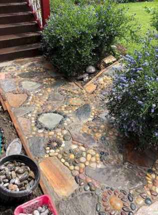 24 Magnificent DIY Mosaic Garden Path Decorations For Your Inspiration