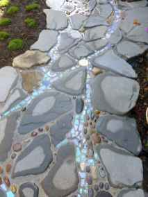 30 Magnificent DIY Mosaic Garden Path Decorations For Your Inspiration