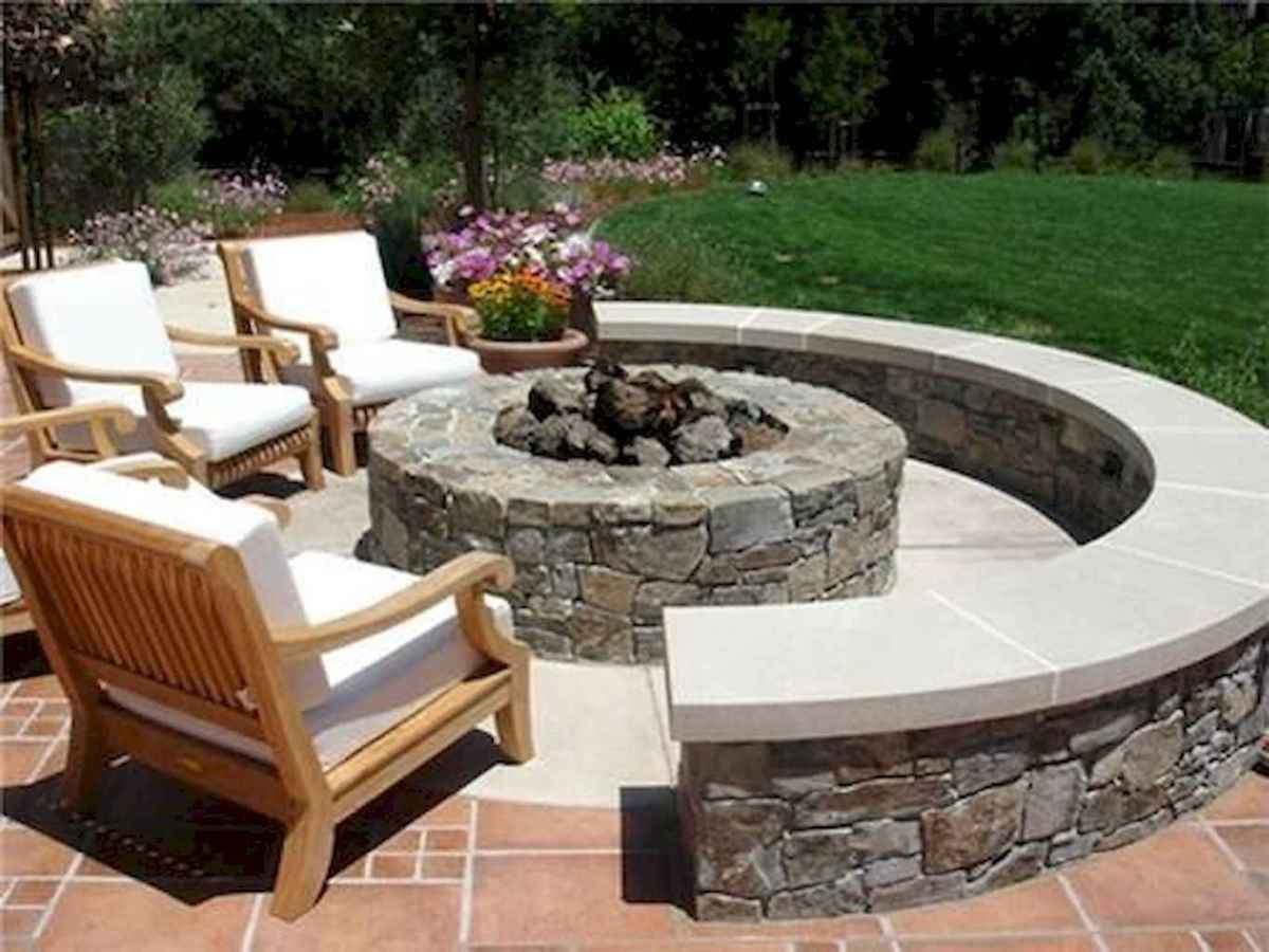 34 Awesome Backyard Fire Pits with Seating Ideas