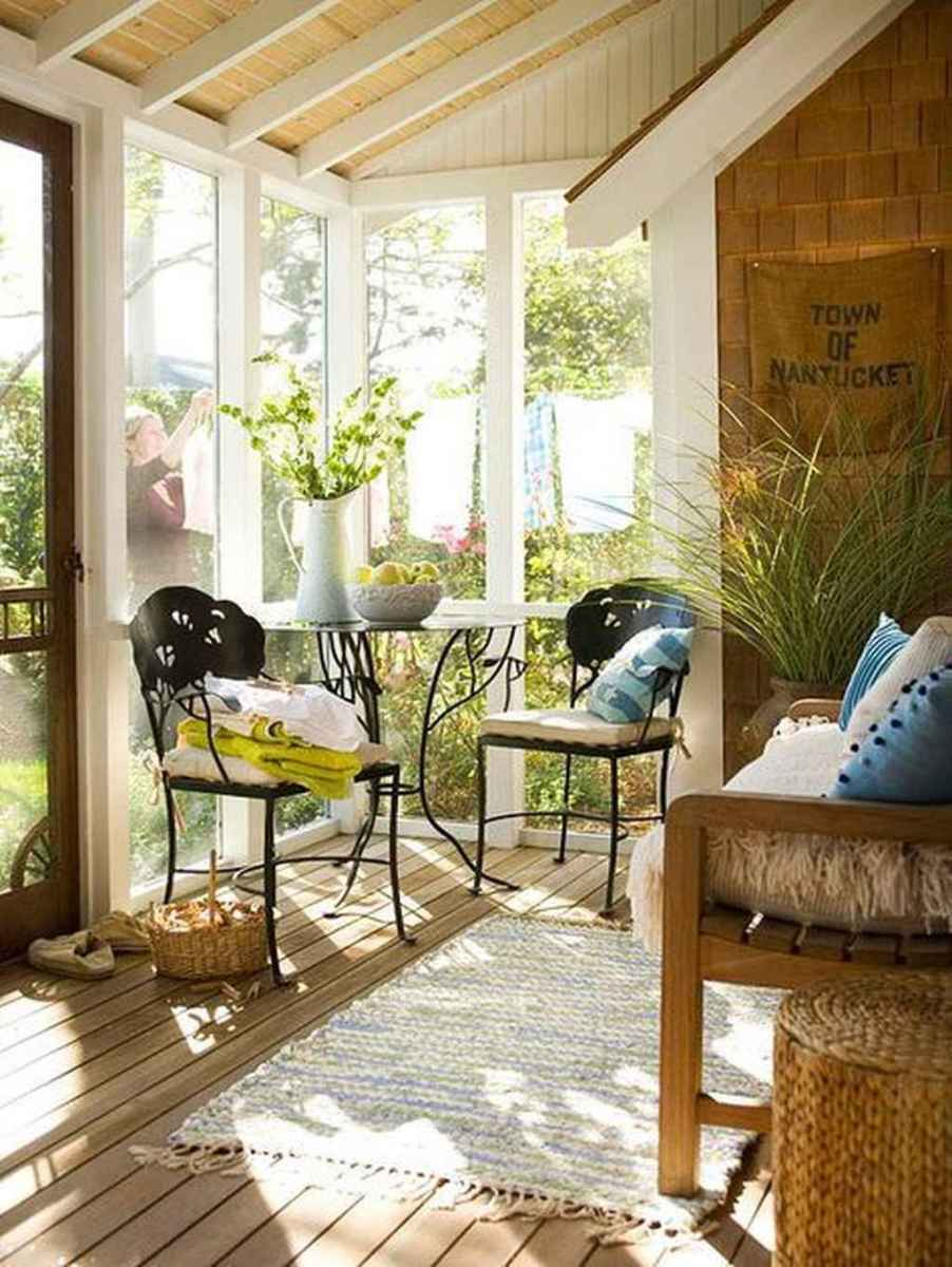 13 Small Front Porch Seating Ideas for Farmhouse Summer