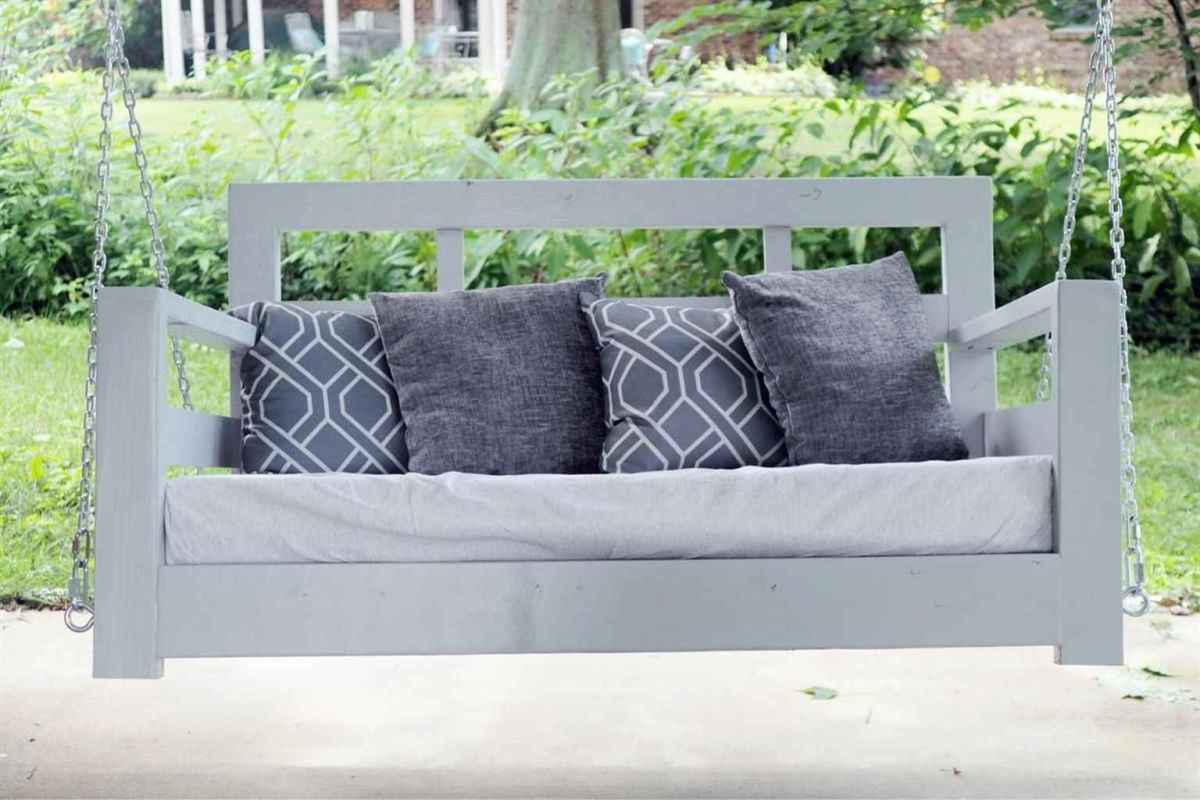 16 Awesome Farmhouse Porch Swing Plans Ideas