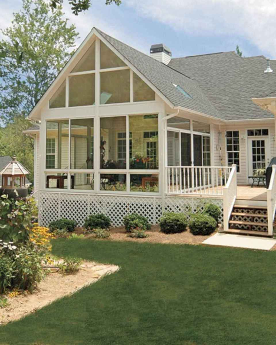 49 Gorgeous Farmhouse Screened In Porch Design Ideas for Relaxing