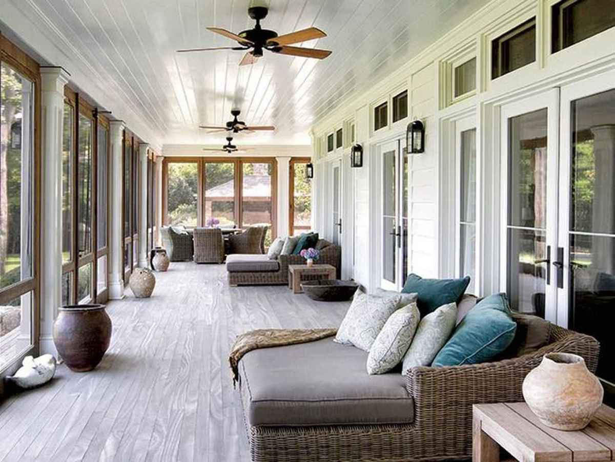 58 Gorgeous Farmhouse Screened In Porch Design Ideas for Relaxing