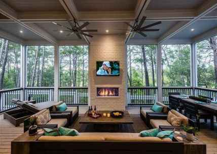 69 Gorgeous Farmhouse Screened In Porch Design Ideas for Relaxing