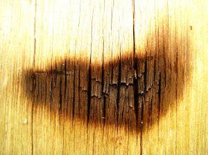 ¿Cómo quitar las machas de la madera?