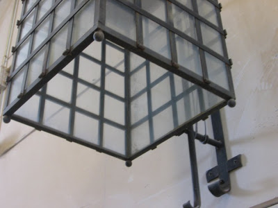Un estupendo farol para decorar y alumbrar exteriores for Farolillos de exterior
