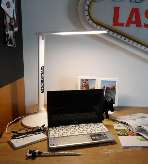 Mi iluminación en el escritorio con un flexo led.