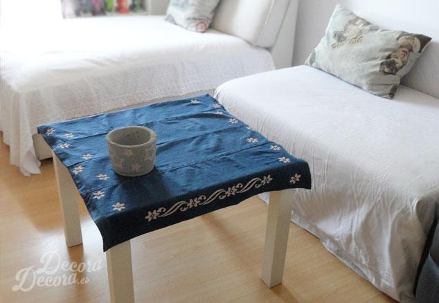 Mantel hecho y pintado a mano