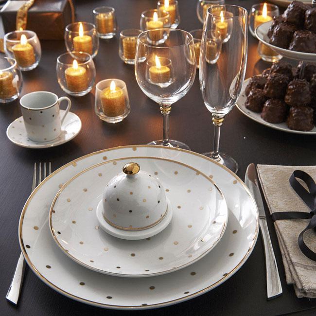 Decorar la mesa de Navidad en dorado