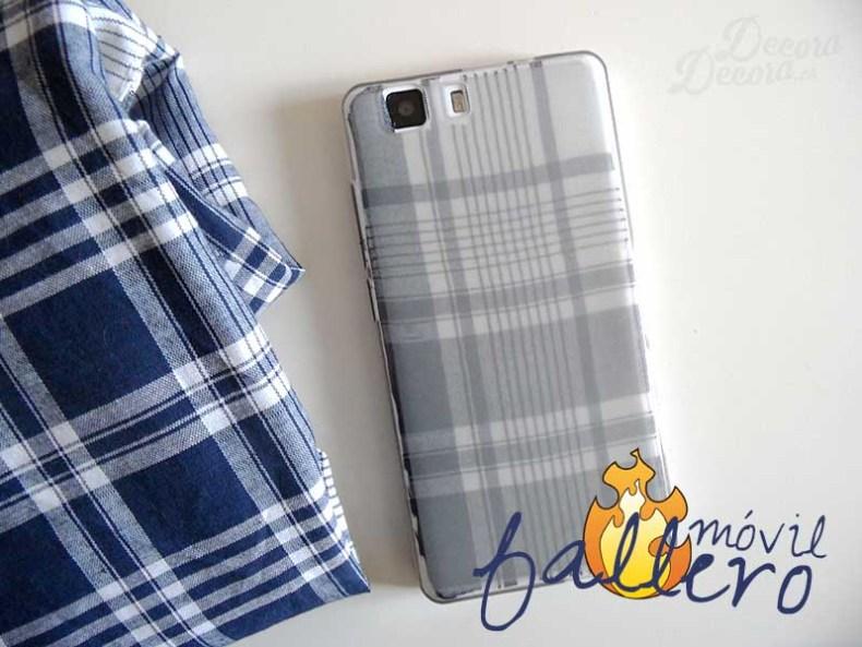 Decorar el móvil con un pañuelo fallero