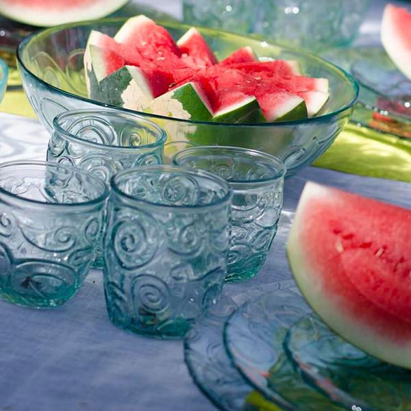 Vasos de cristal para mesas de verano