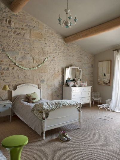 Mobiliario provenzal para crear un espacio romántico