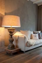 Oversize table lamp