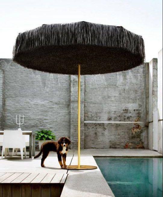 Esta es la sombrilla Frou Frou, más fiel a la que yo recordaba. Con ella oirás perfectamente el chisporroteo del mar aunque sea en tu jardín en medio de la capi. Es así de mágica.