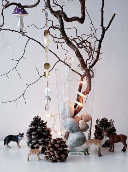 Árbol de Navidad - Christmas tree with dry branches