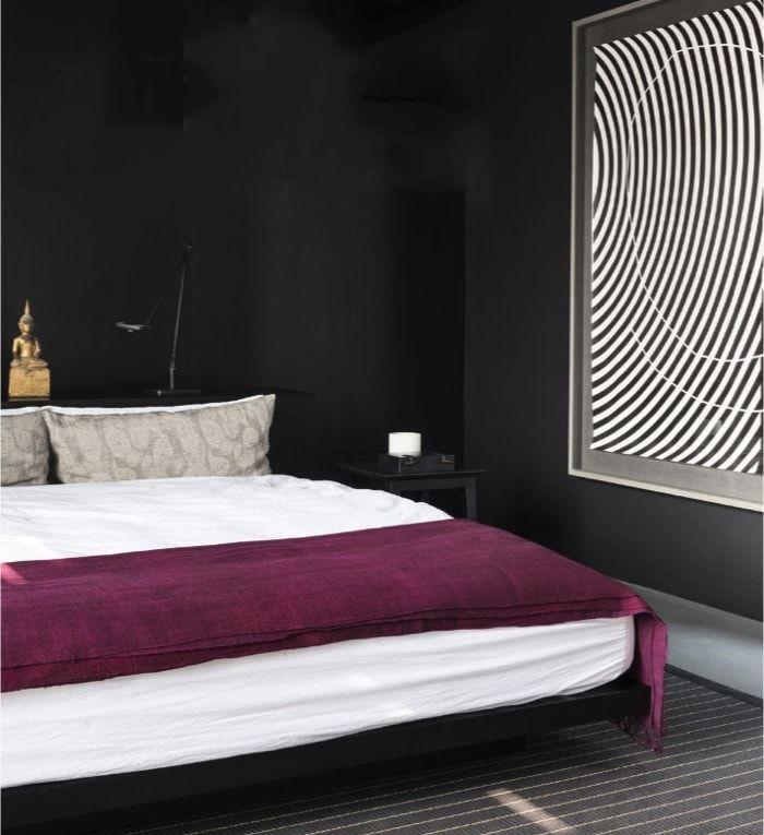 Casoplón 1.200m2 - dormitorio principal en negro