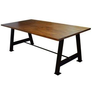 Mesa de hierro y sobre de madera