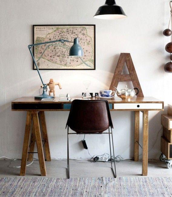 La luz es imprescindible en la mesa de trabajo en casa