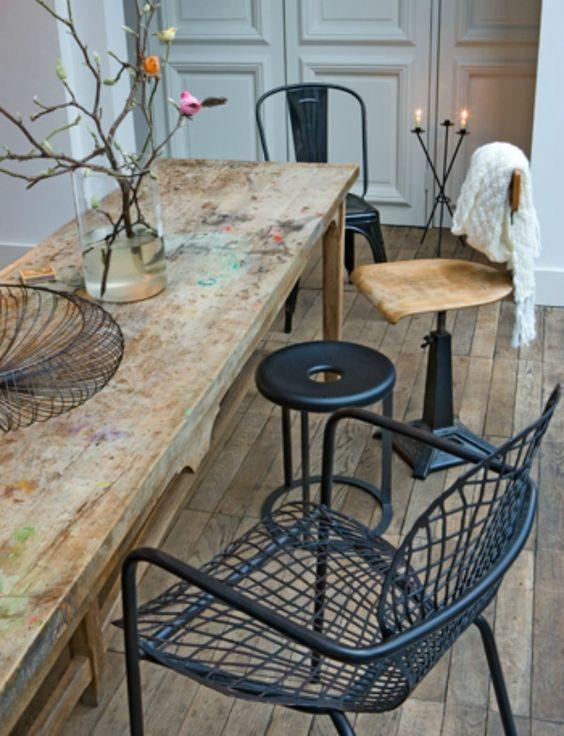 Combinar sillas - mettalic chairs, same colour