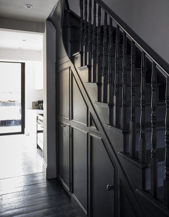 escaleras clasicas con cerramiento