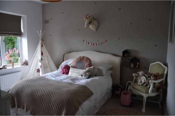 decoralinks | dormitorio chica con muebles clasicos y detalles nordicos