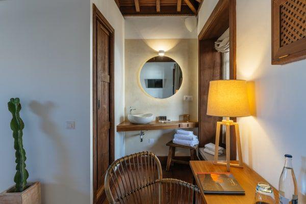 Hotel Palacio Ico en Lanzarote - bathroom habitacion 08