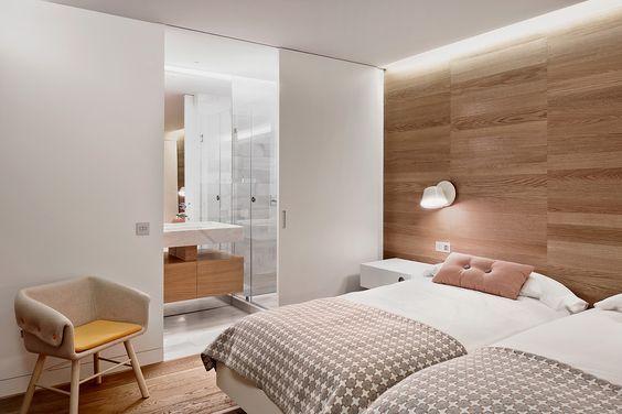 decoralinks | dormitorio doble con cabecero de madera de roble