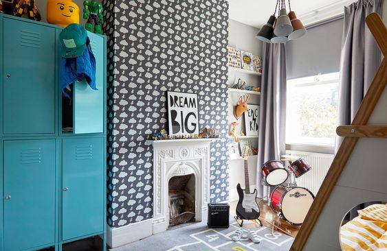 decoralinks   fun and fresh spirit thanks to a blue locker in a kids room