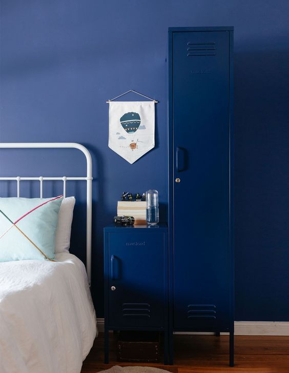 decoralinks | deep blue mustard lockers
