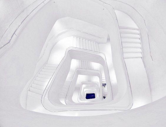 decoralinks | escaleras de caixaforum - foto de @botikario