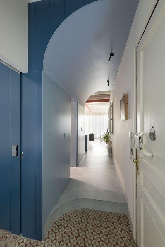 decoralinks | proyecto de Colombo y Serboli - un techo que oculta instalaciones