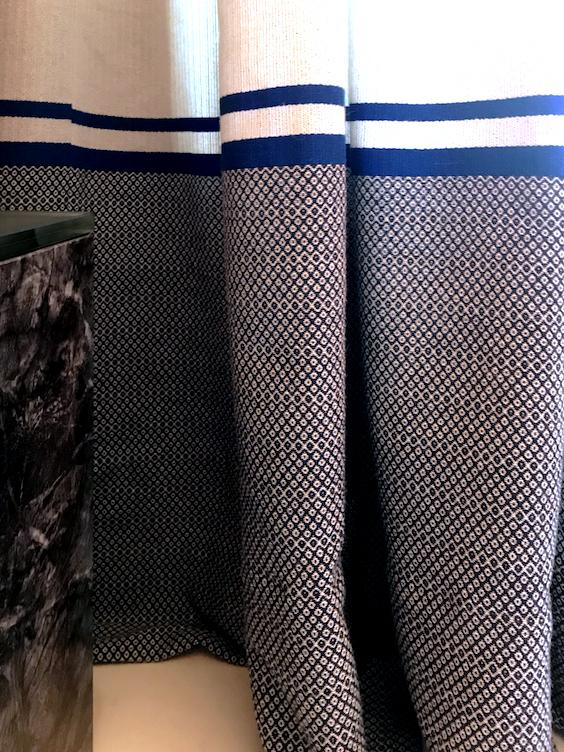 Cortinas Casa Decor tricotadas a mano