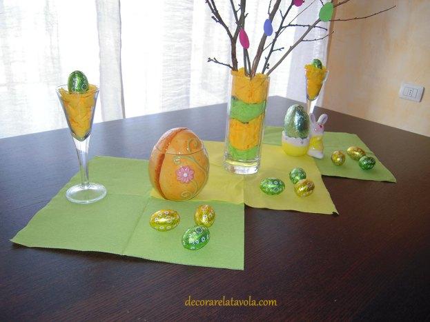 Centrotavola per Pasqua con rami decorati foto 4