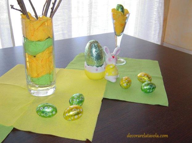 Centrotavola per Pasqua con rami decorati foto 5