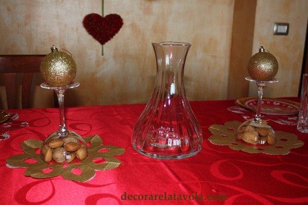 Centrotavola natalizio con frutta secca