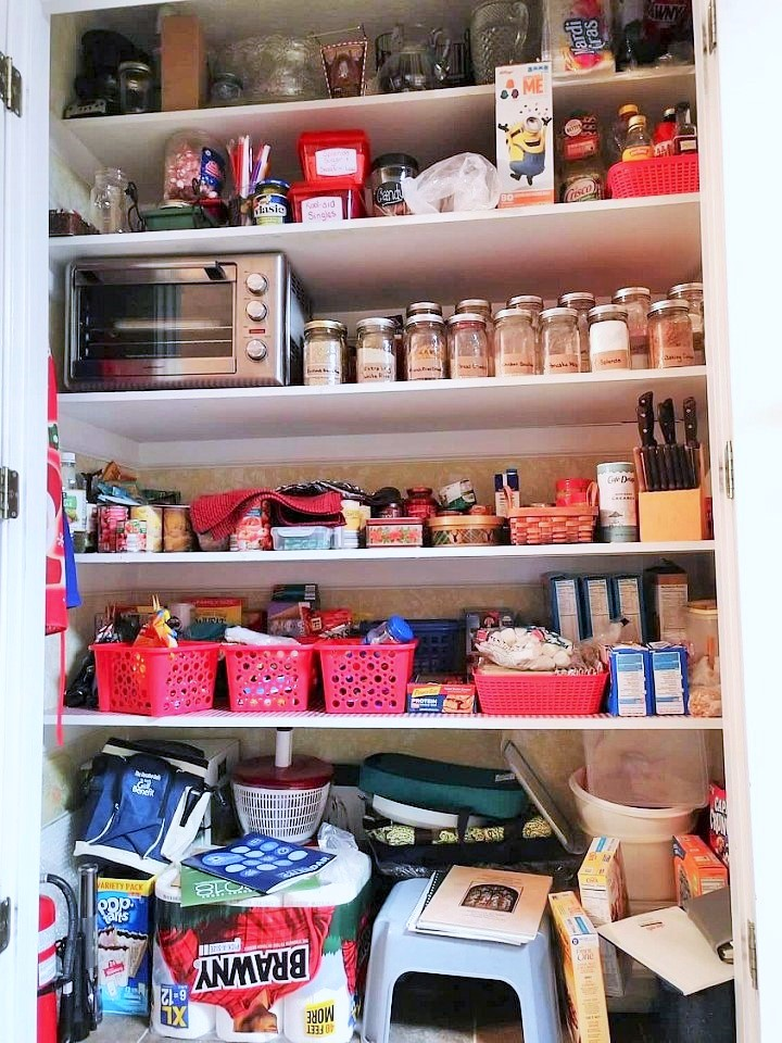 HOW I ORGANIZED OUR PANTRY Decorate More with Tip