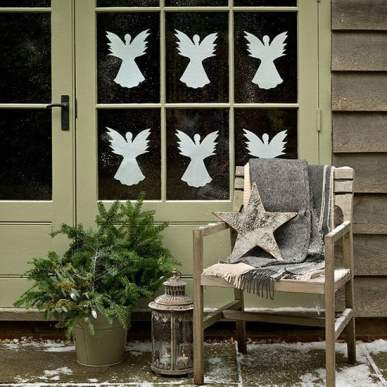 Door-decorated-with-paper-angels--Country-Homes--Interiors--Housetohome.co.uk