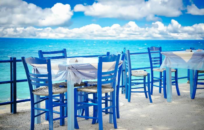 μπλε καρέκλες