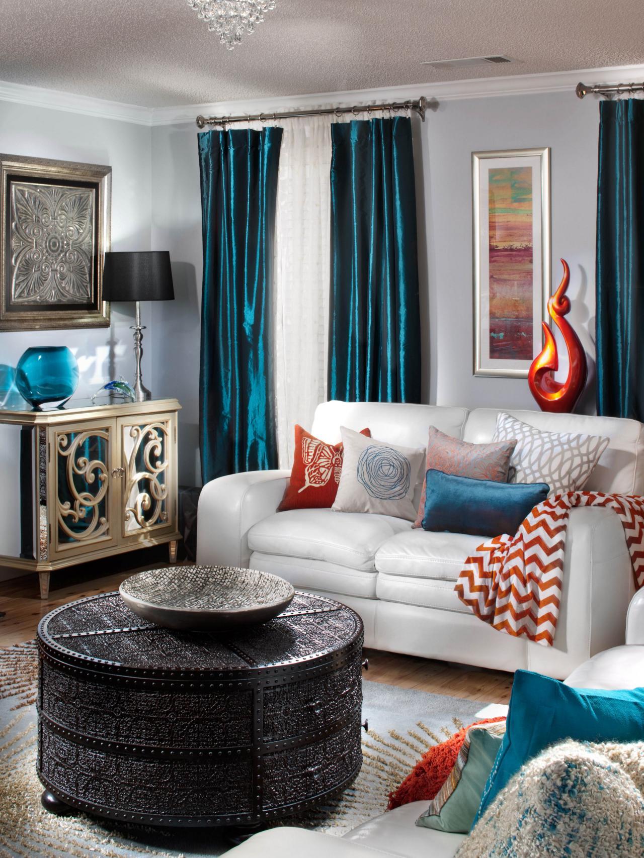 Glamorous Transitional Living Room Design